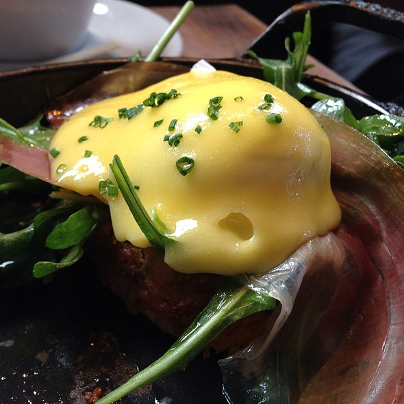 Eggs Benedict @ Manhattan Beach Post (M.B. Post)