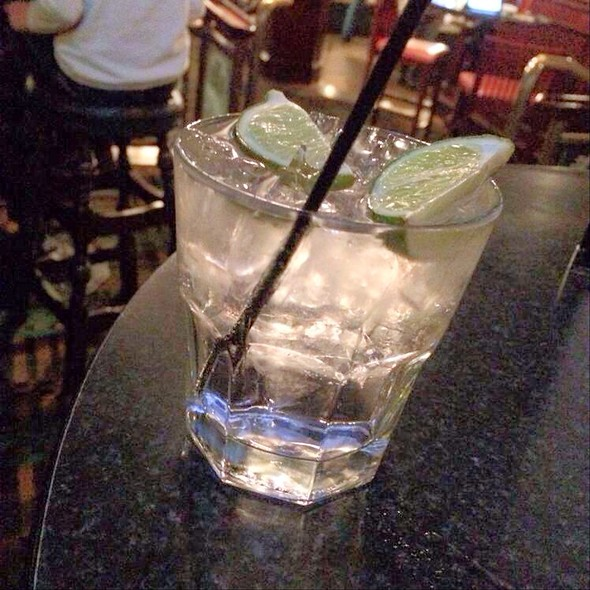 gin and tonic @ Embassy Suites