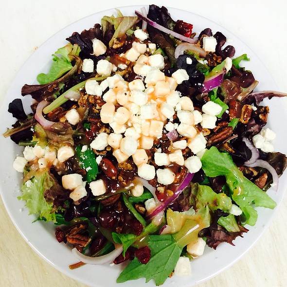 Cranberry Pecan Salad @ DeLorenzo's Pizza