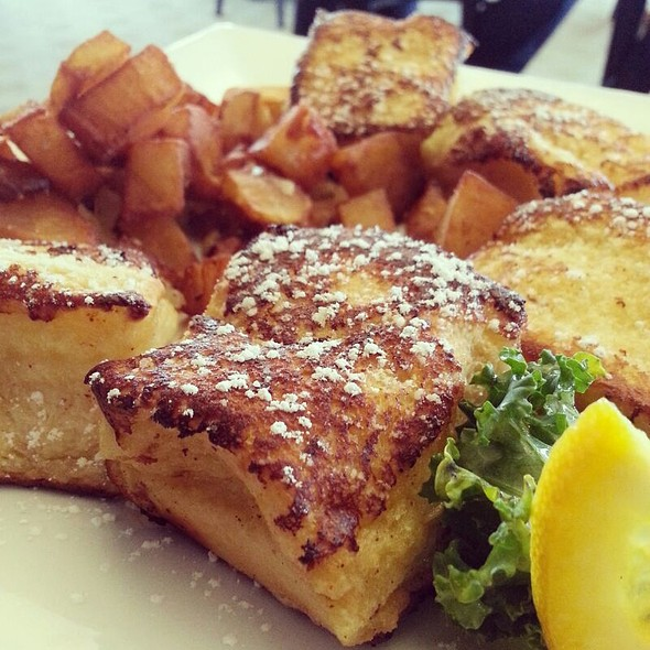 French Toast With Hawaiian Bread - Cafe Benedicte, Houston, TX