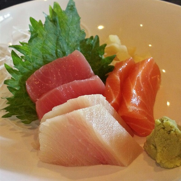 Chef's Sashimi Selection