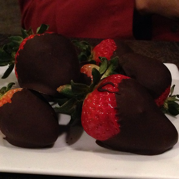 Dark Chocolate Dipped Strawberries - Blue Prynt Restaurant & Bar, Sacramento, CA