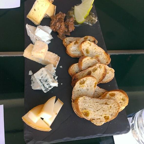 Cheese Board @ Come Ça