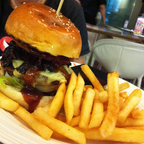 Zouk Cafe Beef Burger @ Zouk Cafe Bar - KL