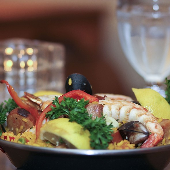 Paella - Las Palomas Restaurant-Bar, Austin, TX