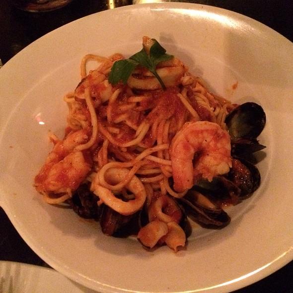 Spaghetti Del Pescatore - Fraticelli's Italian Grill - Richmond Hill, Richmond Hill, ON