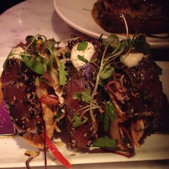 Deville dinerbar menu montreal qc foodspotting for Ahi tuna fish