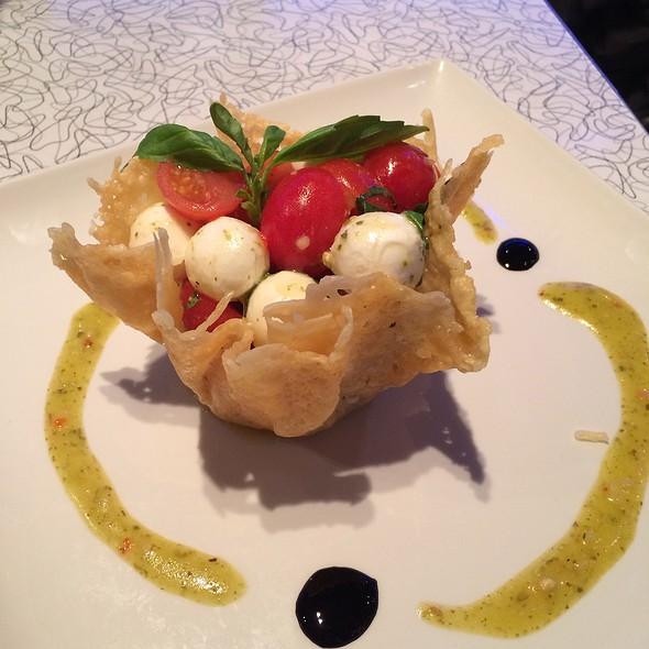Bocconcini Mozzarella & Plum Tomato Salad