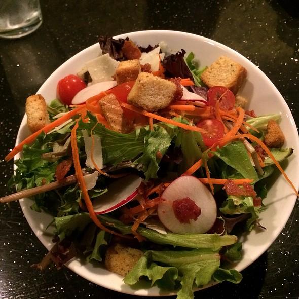 Mixed Green Salad - Best Shabu Shabu World Noodle+Pho, Orlando, FL