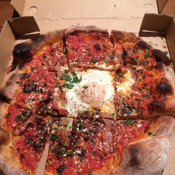 Amatriciana Pizza @ Ragazza