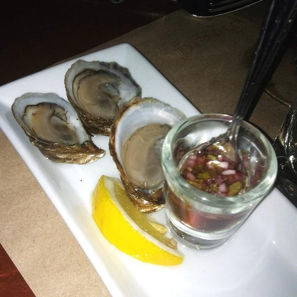 3 Oysters With Condiments - Mechant Boeuf Bar & Brasserie, Montréal, QC