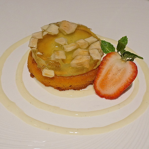 Almond-crusted apple tart, apple gelée with vanilla crème anglaise - Chandler's - Cape Rey Carlsbad, a Hilton Resort, Carlsbad, CA