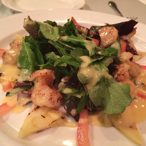 Pineapple Scallop Salad