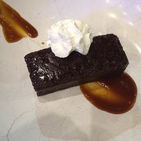 Flourless Chocolate Cake With Miso Salted Caramel @ Nomama Capitol Commons