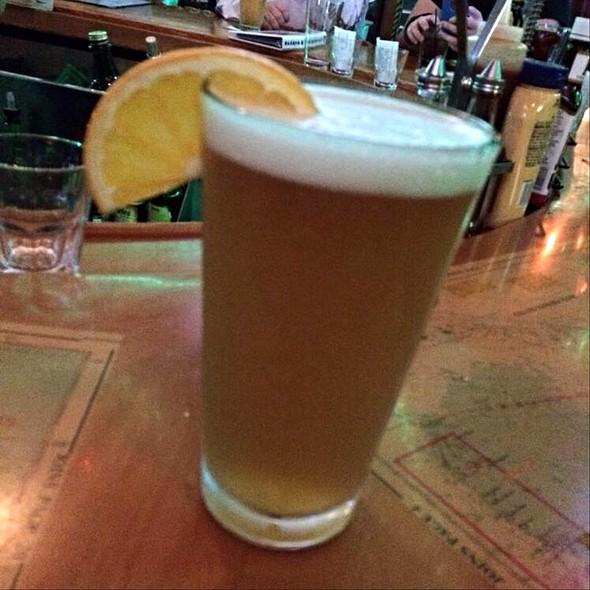 Blue Moon Beer @ Flanigan's Seafood Bar & Grill
