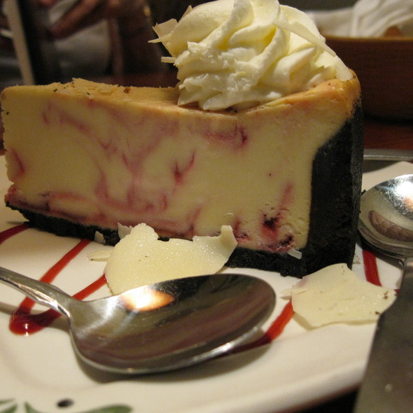 Raspberry White Chocolate Cheesecake @ Olive Garden