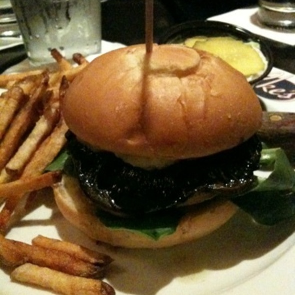 Portabella Mushroom Burger @ Ike's Food & Cocktails