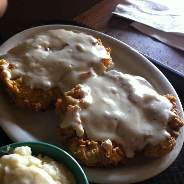 Chicken Fried Steak and Green Beans @ Buffalo Grill