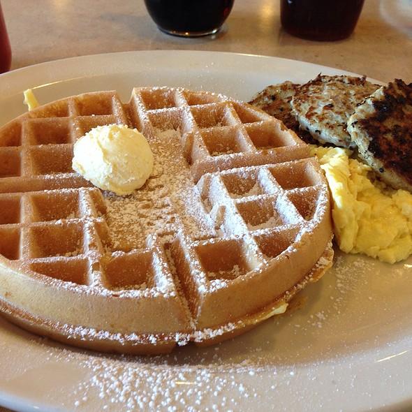 Waffle Eggspress @ The Egg And I