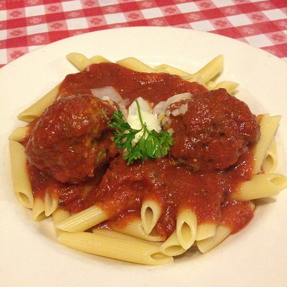 Vinnys Penne & Meatballs - Vinny Vanucchi's 'Little Italy' - Galena, Galena, IL