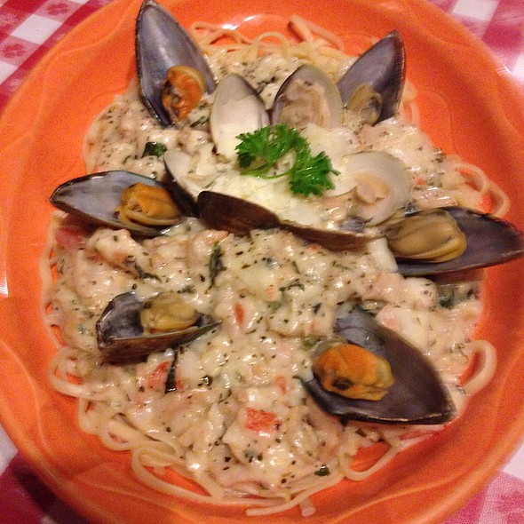 Seafood Millennium - Vinny Vanucchi's 'Little Italy' - Galena, Galena, IL