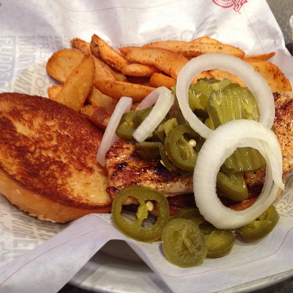 Grilled Chicken Sandwich @ Fuddruckers