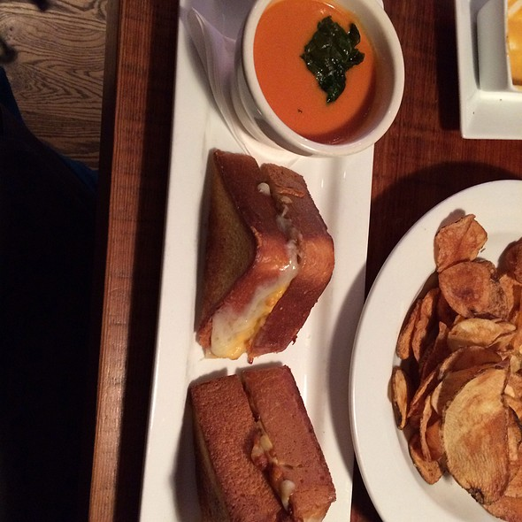 Truffled Grilled Cheese With Tomato Basil Bisque @ Dressel's Pub