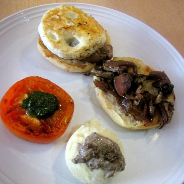 Muffin Topped With Egg, Mushroom & Potato Mash @ Hatched