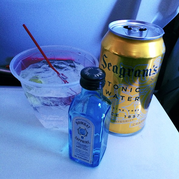 gin and tonic @ Virgin America