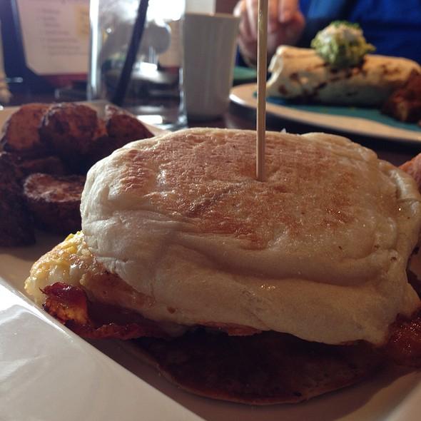 Blt Breakfast Sandwich - Pond House Cafe, West Hartford, CT