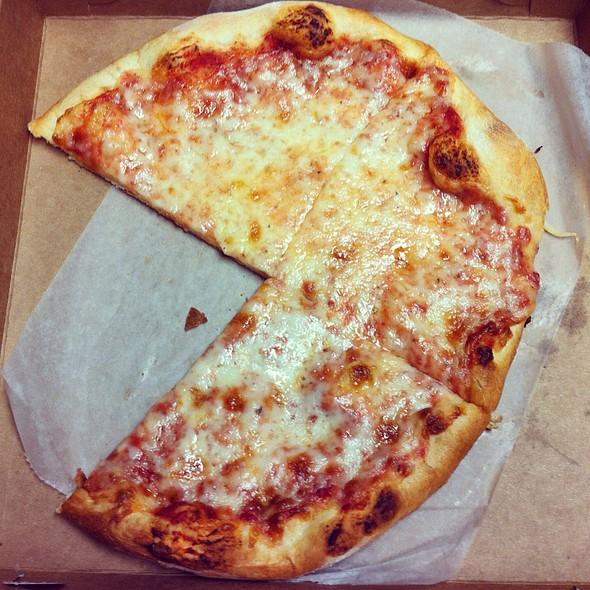 Ny Style Cheese Pizza @ Winter Garden Pizza Company