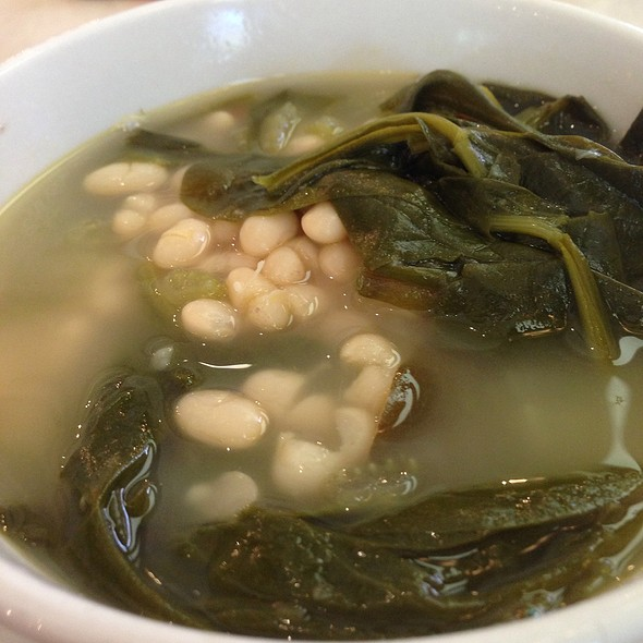 White Bean And Spinach Soup @ Bread Winners Cafe