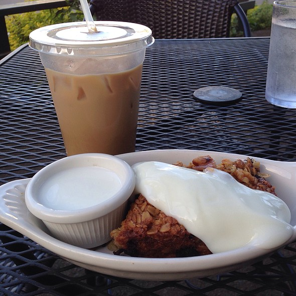 Baked Oatmeal W Vanilla Yogurt @ Baked on Maui