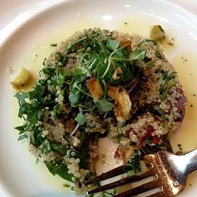 Ensalada De Quinoa Tabbouleh
