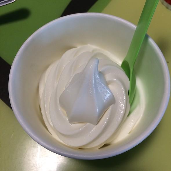 Coconilla Frozen Yogurt
