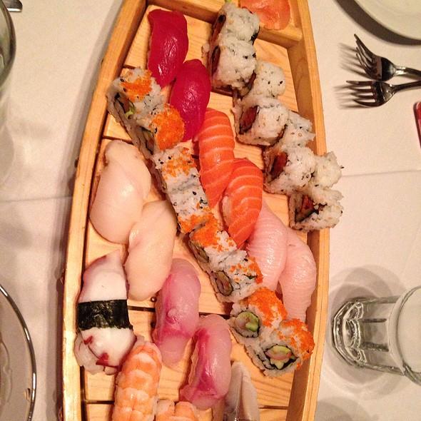 Sushi Boat - Atlantic Seafood Company, Alpharetta, GA