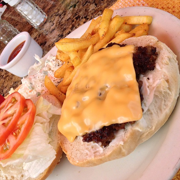 Giant Beef Burger @ Sleeping Giant Rainforest Lodge