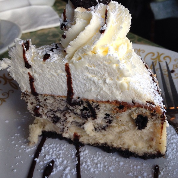 Oreo Cheesecake - Robin's Nest Restaurant, Mount Holly, NJ