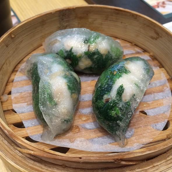Spinach And Shrimp Dumplings @ Tim Ho Wan 添好運 (Plaza Singapura, Singapore)