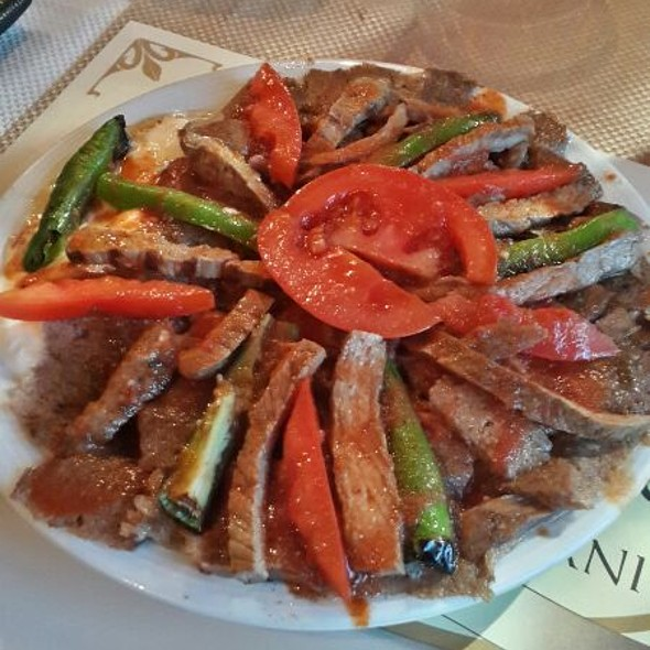 Iskender Kebab @ Tarihi Bursa Kebapcisi