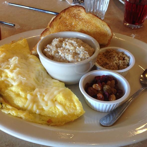 California Omlette @ The Egg And I
