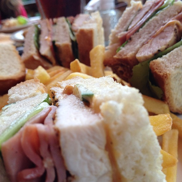 Club Sandwhich @ Sleeping Giant Rainforest Lodge