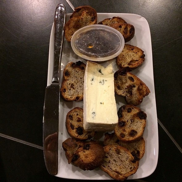 Blue Brie Cheese, Toasted Walnut Cranberry Bread And Fig Preserves @ Starbucks