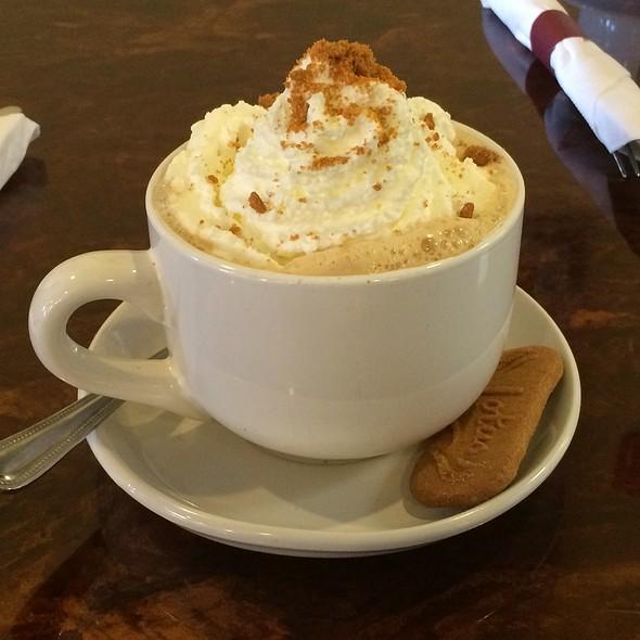 Cookie Butter Latte @ Crispy Crepe