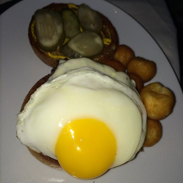 White Label Burger - Ai Fiori, New York, NY