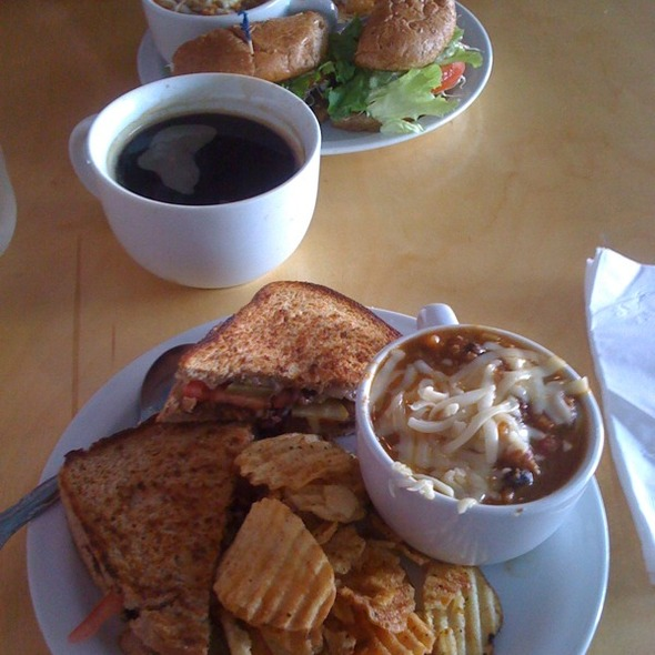 Groovy Grilled Cheese, Veggie Chili, Uber Earth Burger