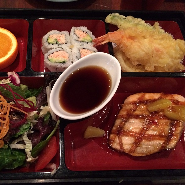 Salmon Teriyaki Bento Box @ Las Colinas Blue Fish