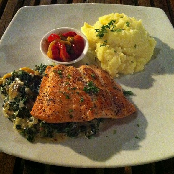 Salmon Fillet With Mashed Potato And Anti Pasta @ Mama Dolores Old Times Pizza