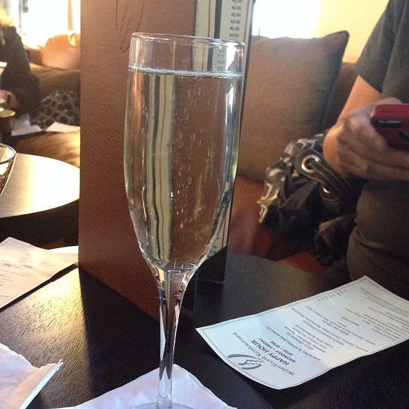 Bar Sparkling Wine - The Waterfront Restaurant and Cafe, San Francisco, CA