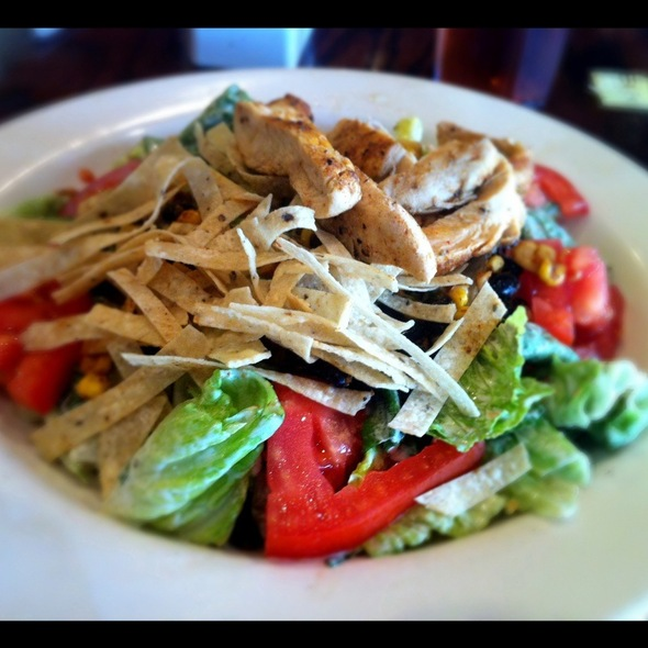 Southwestern Salad With Chicken - Lake Pointe Grill, Springfield, IL